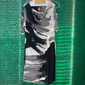 Beautiful black and white dress size large